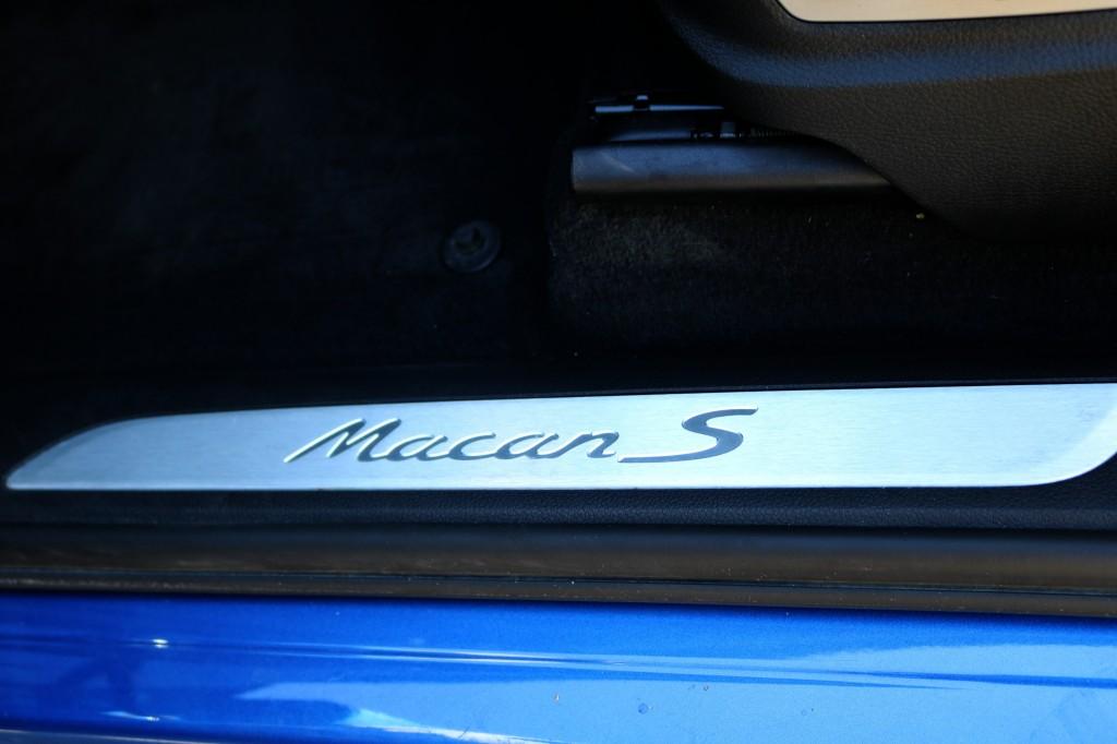 2017-Porsche-Macan