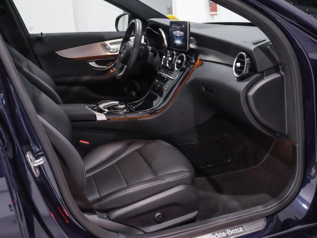 2017-Mercedes-Benz-C-Class