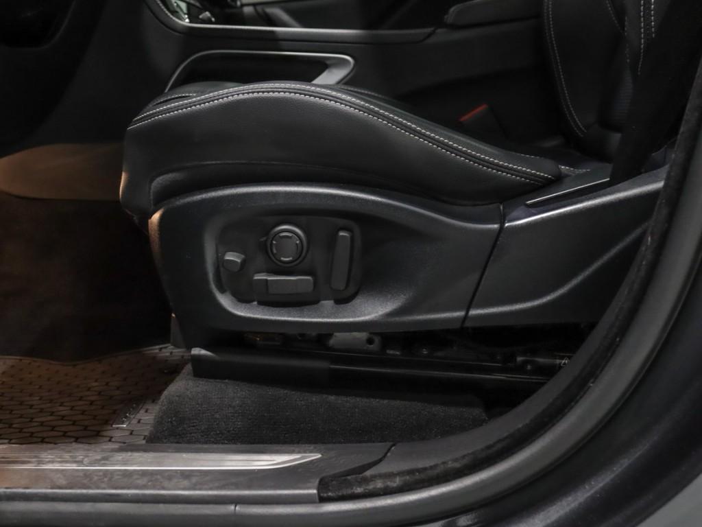 2017-Jaguar-F-Pace
