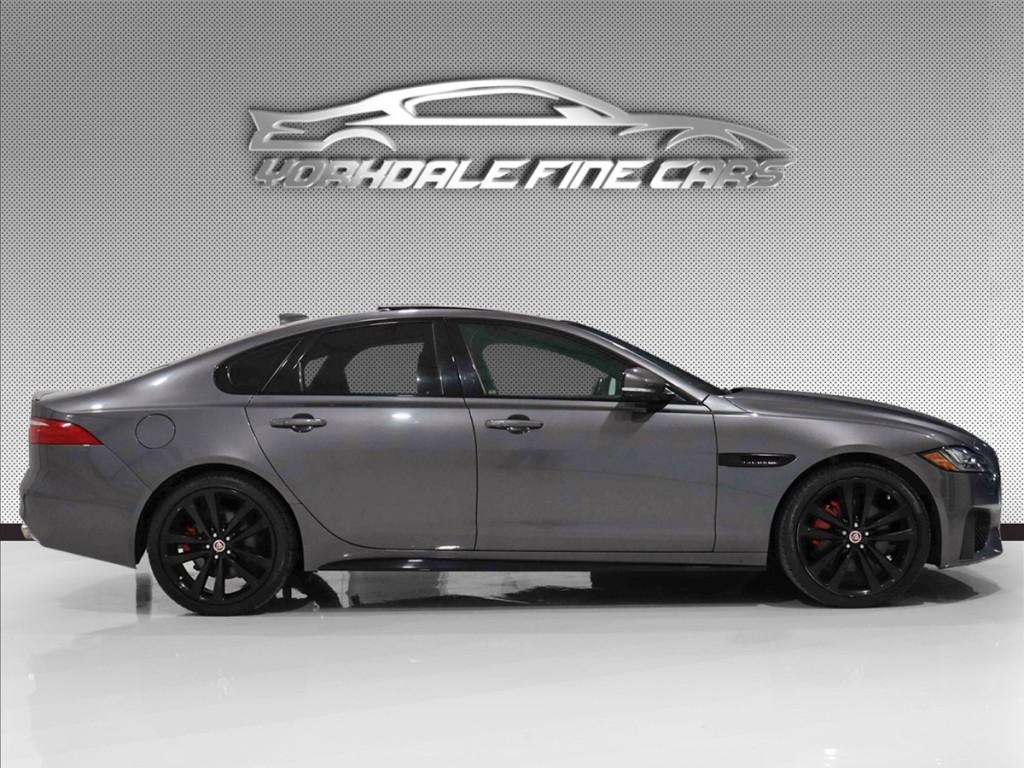 2017-Jaguar-XF