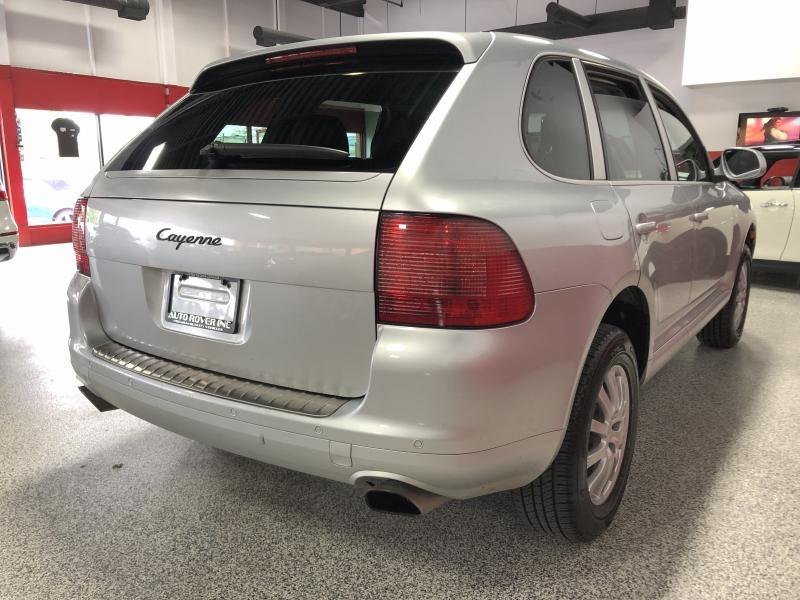 2006-Porsche-Cayenne