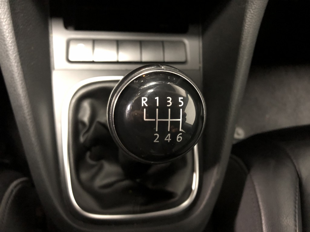 2013-Volkswagen-Golf Wagon