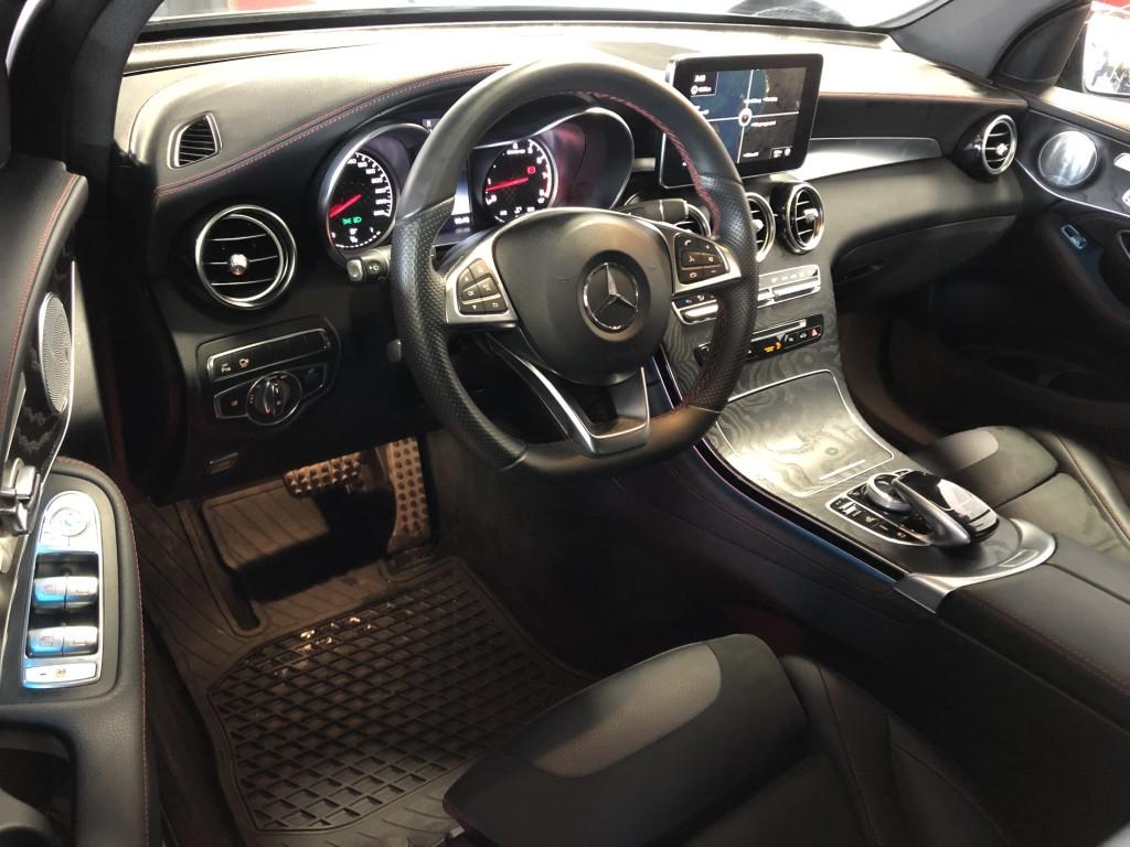 2018-Mercedes-Benz-GLC43 AMG