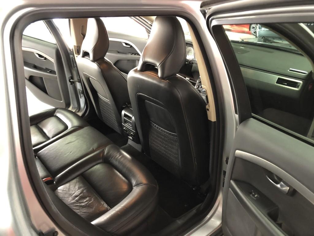 2009-Volvo-XC70