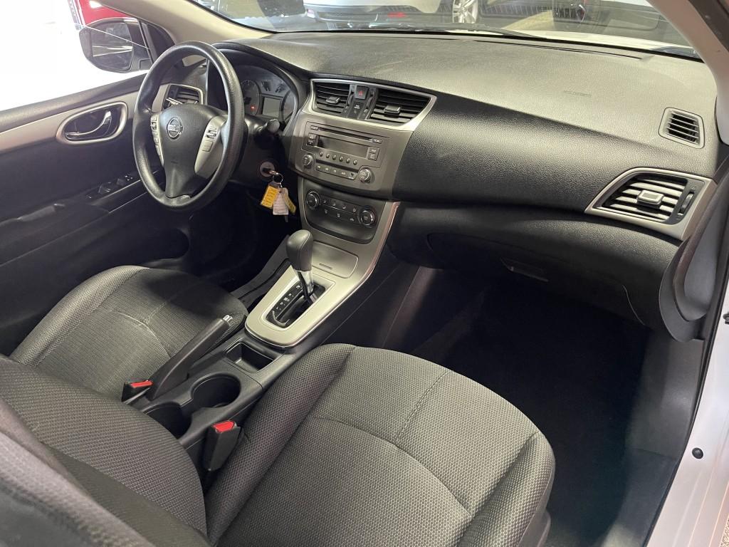 2013-Nissan-Sentra