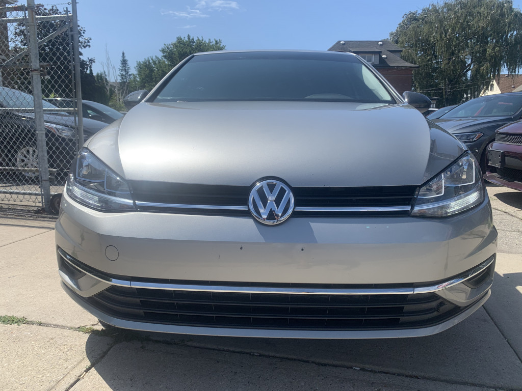 2019-Volkswagen-Golf