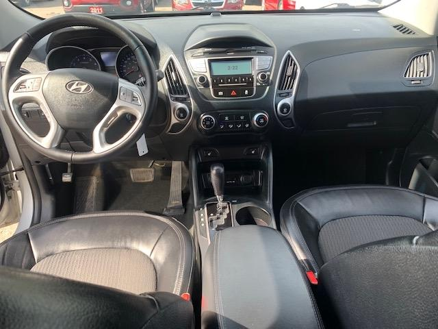 2012-Hyundai-Tucson