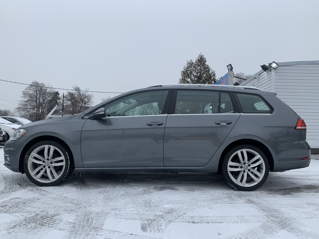 2018-Volkswagen-Golf SportWagen
