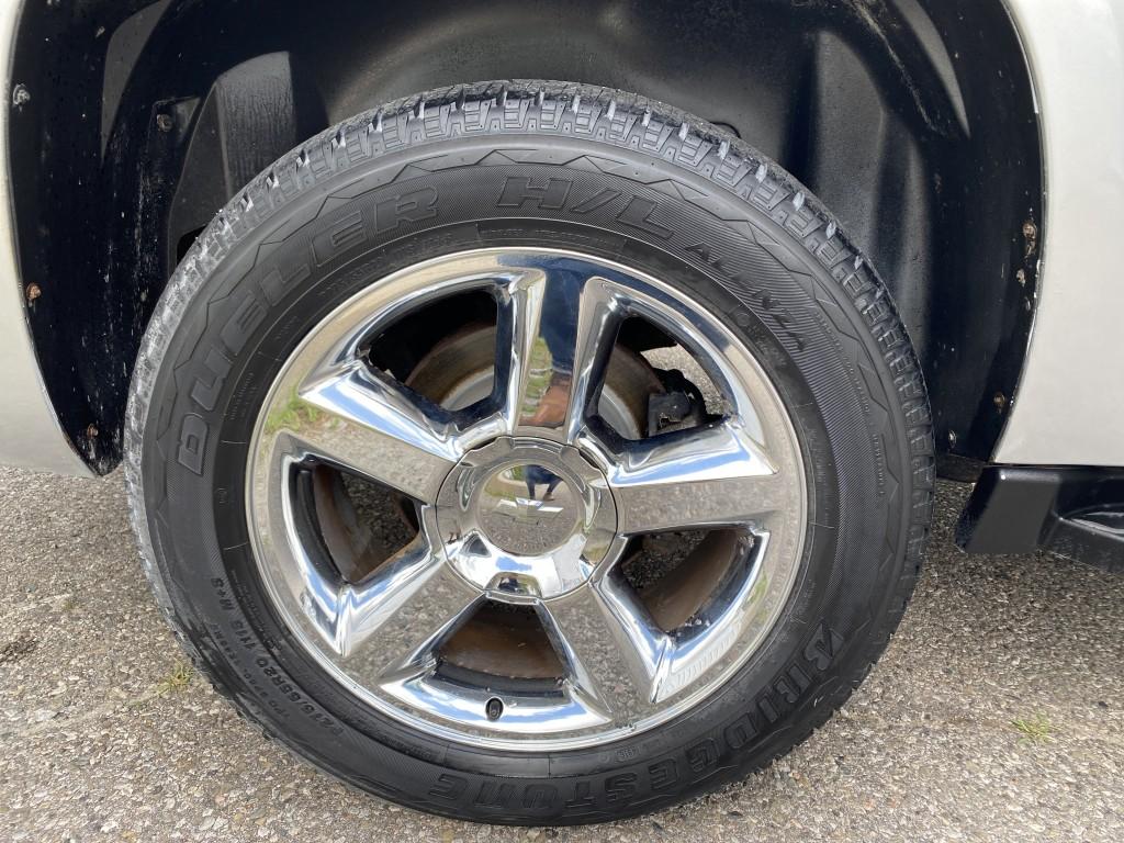2013-Chevrolet-Avalanche