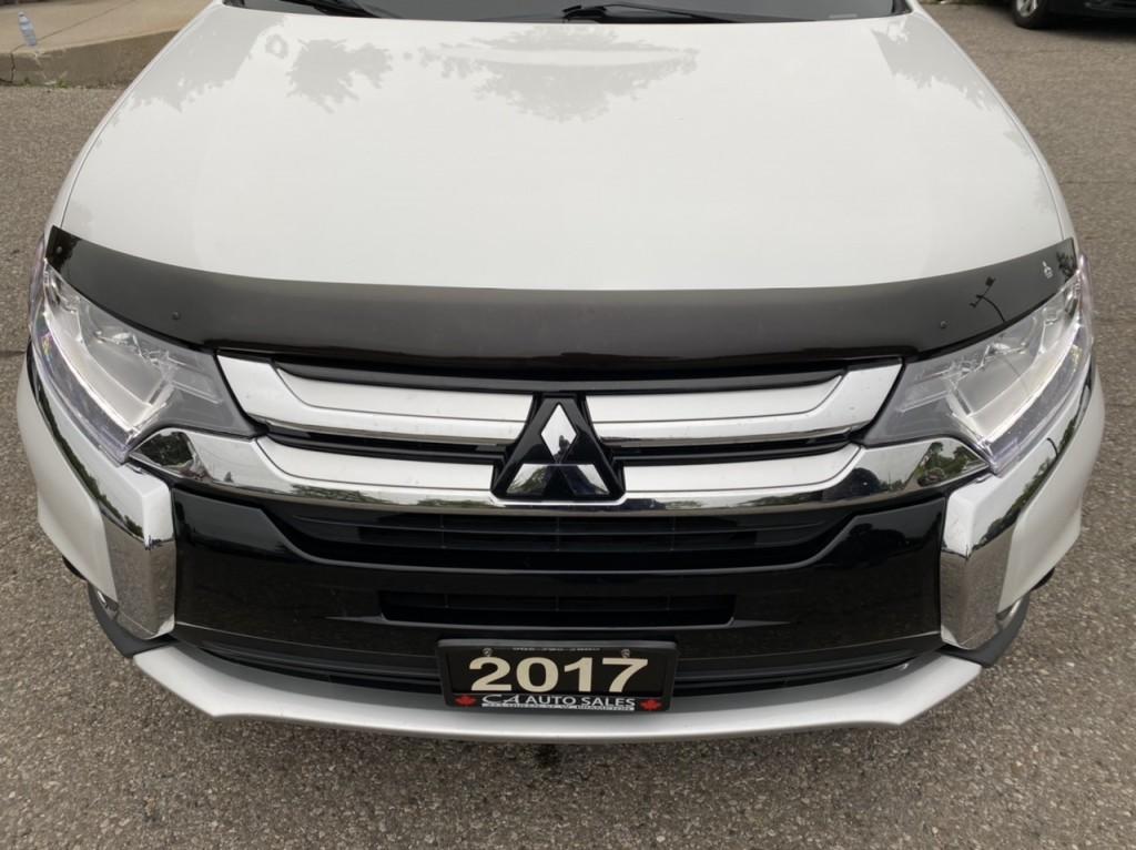 2017-Mitsubishi-Outlander