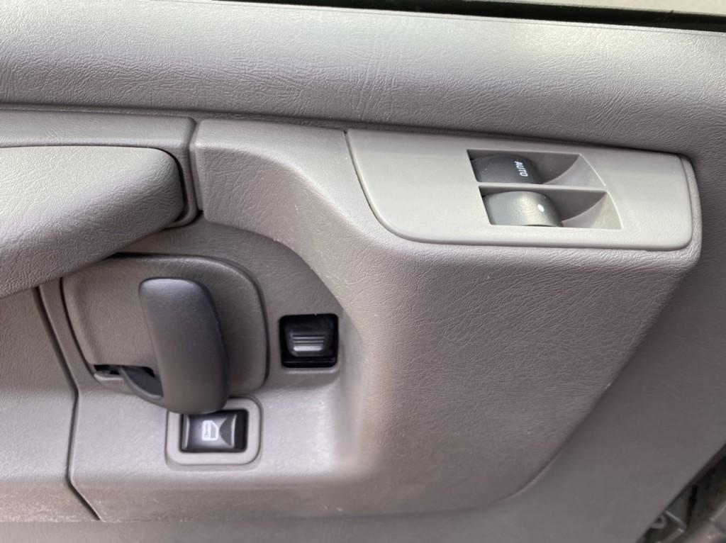 2009-Chevrolet-Express Passenger