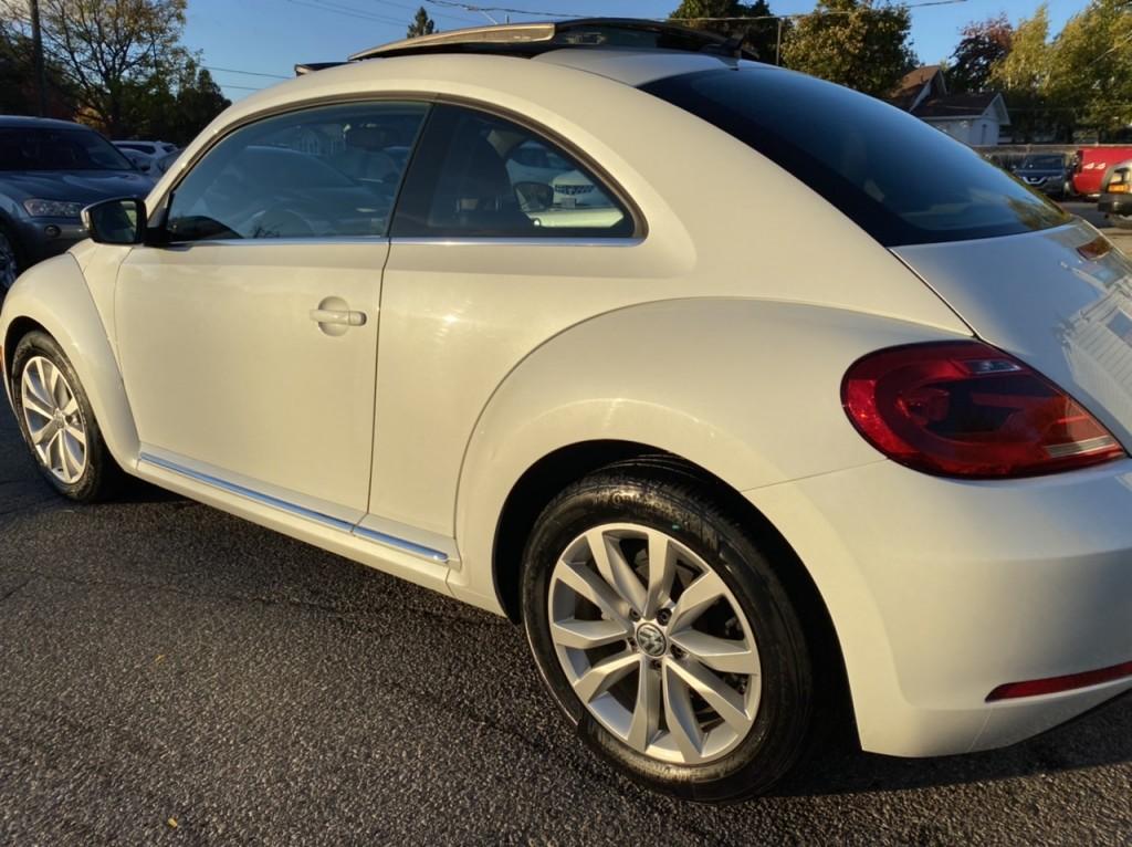 2015-Volkswagen-Beetle