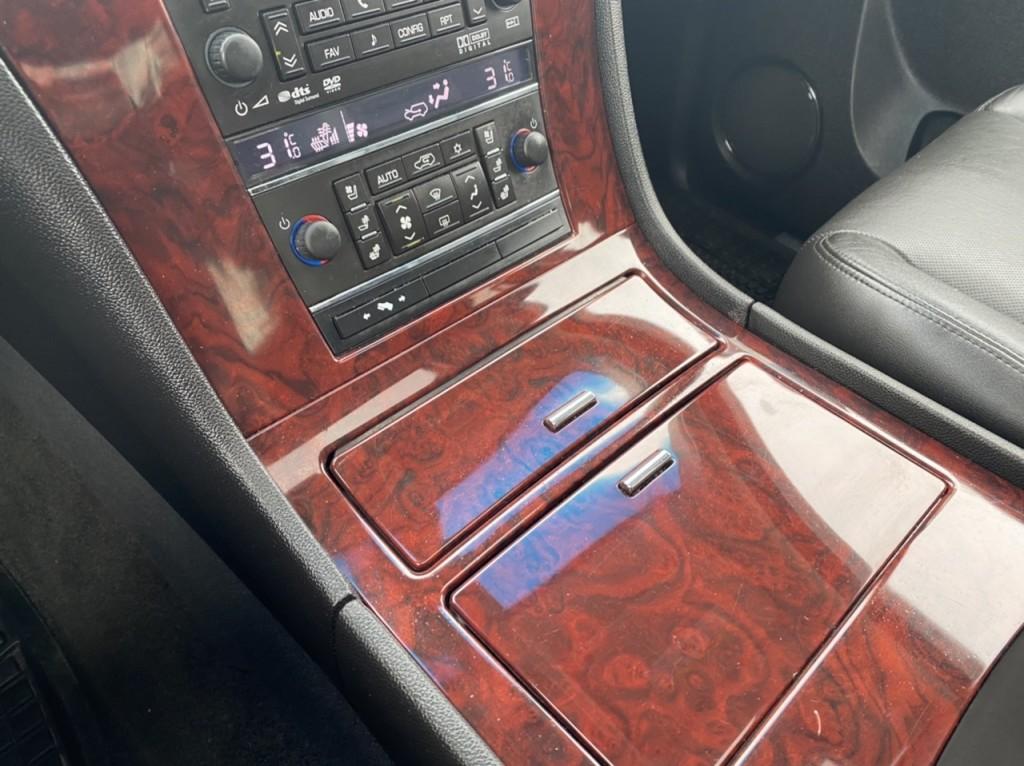 2013-Cadillac-Escalade EXT