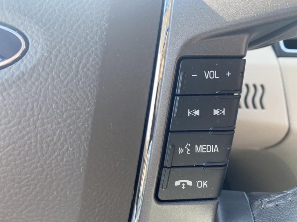 2011-Ford-Taurus