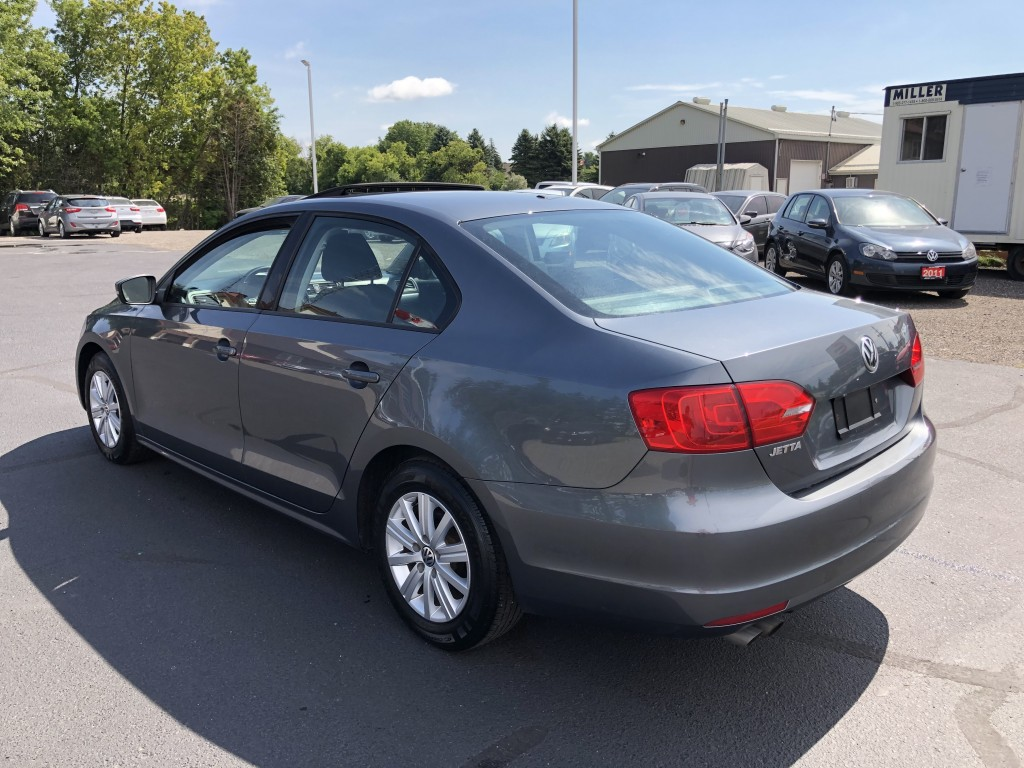 2014-Volkswagen-Jetta