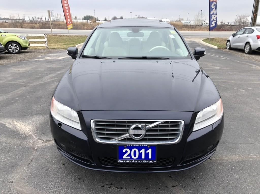 2011-Volvo-S80