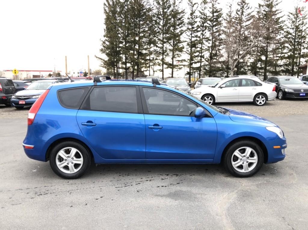 2011-Hyundai-Elantra Touring