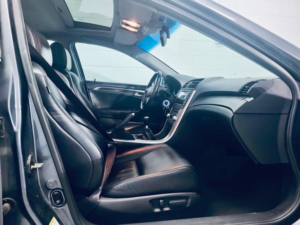 2004-Acura-TL