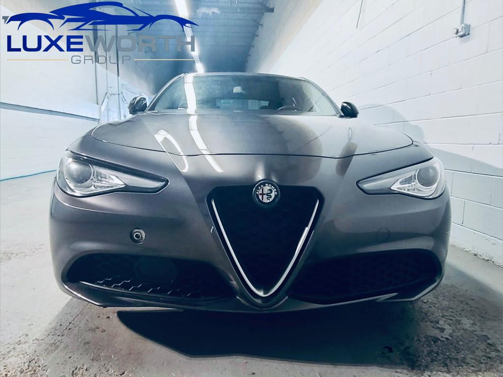 2017-Alfa Romeo-Giulia