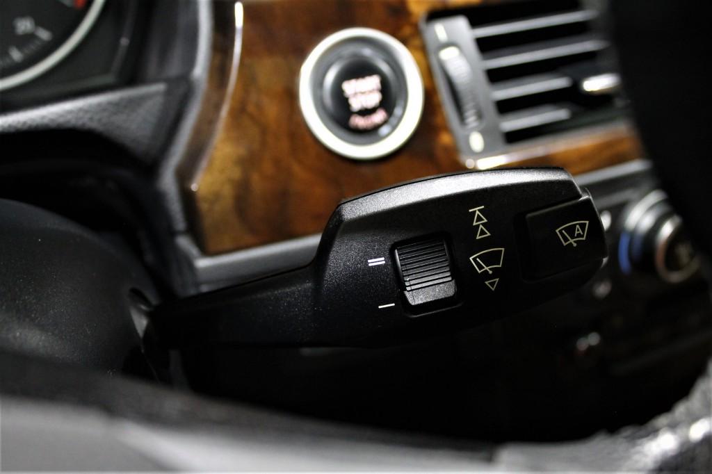 2011-BMW-3 Series