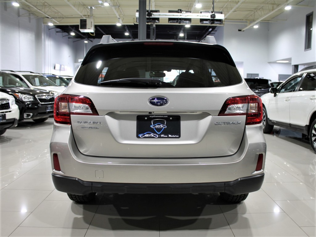 2015-Subaru-Outback