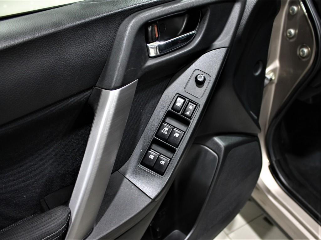 2014-Subaru-Forester