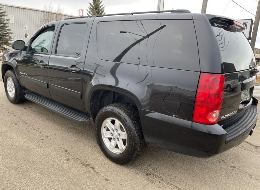 2013-GMC-Yukon XL