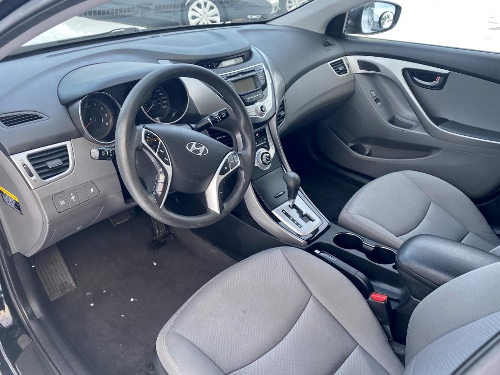 2012-Hyundai-Elantra