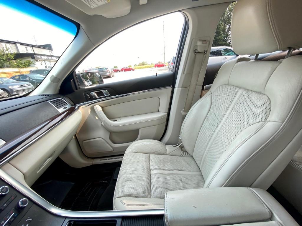 2010-Lincoln-MKS