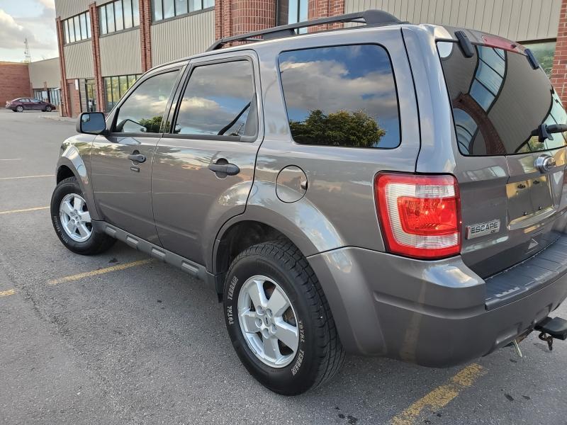 2010-Ford-Escape