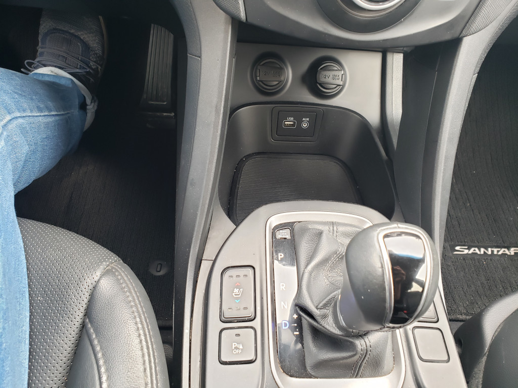 2017-Hyundai-Santa Fe Sport