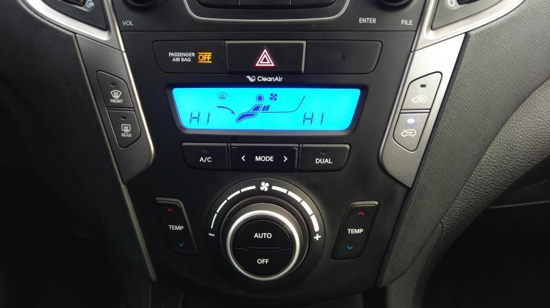 2016-Hyundai-Santa Fe Sport