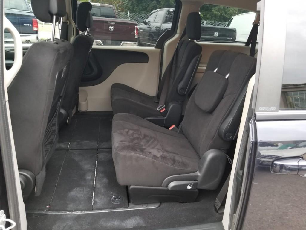 2011-Dodge-Grand Caravan