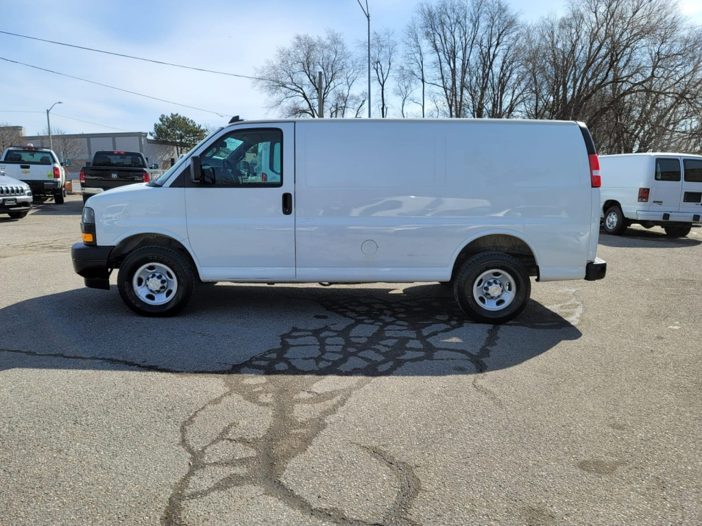 2019-Chevrolet-Express Cargo Van