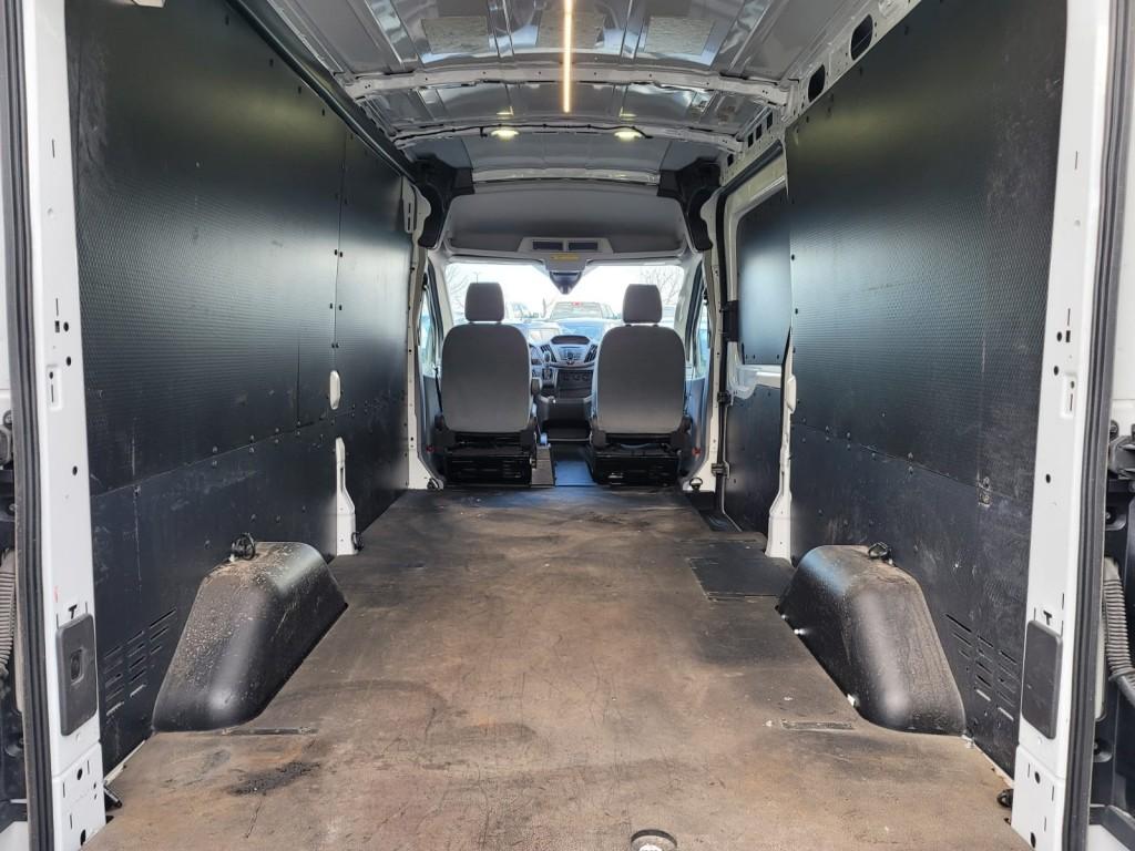 2018-Ford-Transit-250