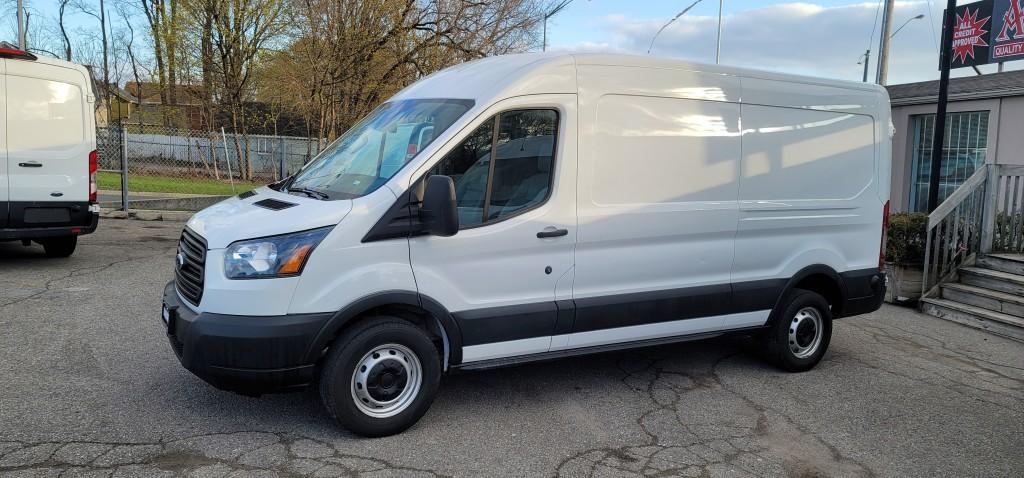 2019-Ford-Transit-250