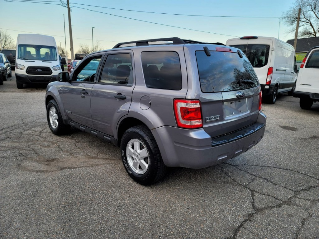 2008-Ford-Escape