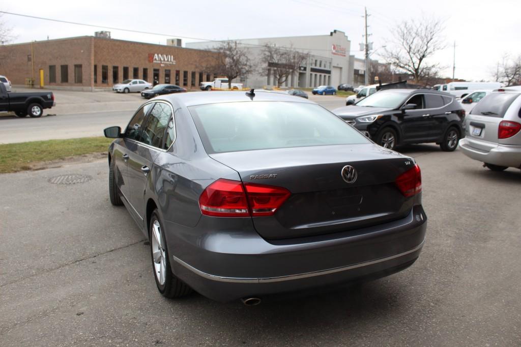 2014-Volkswagen-Passat