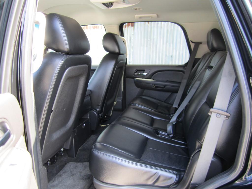 2013-Chevrolet-Tahoe