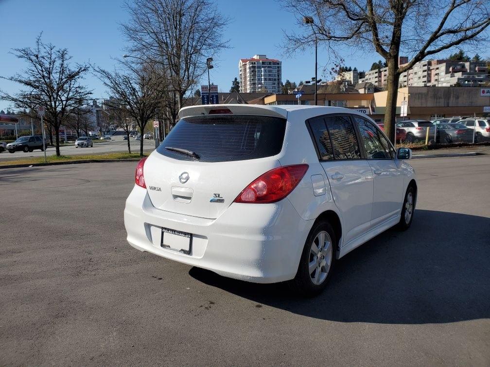 2011-Nissan-Versa