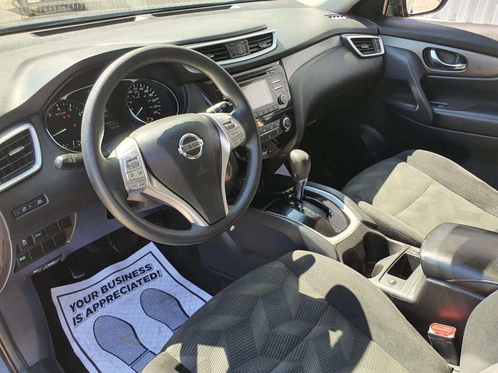 2015-Nissan-Rogue