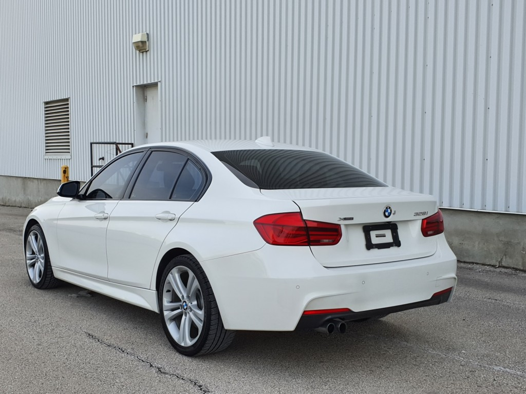 2016-BMW-3 Series