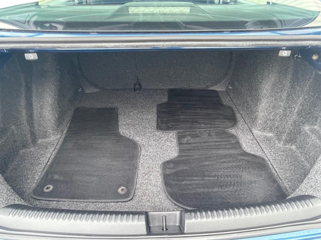 2015-Volkswagen-Jetta