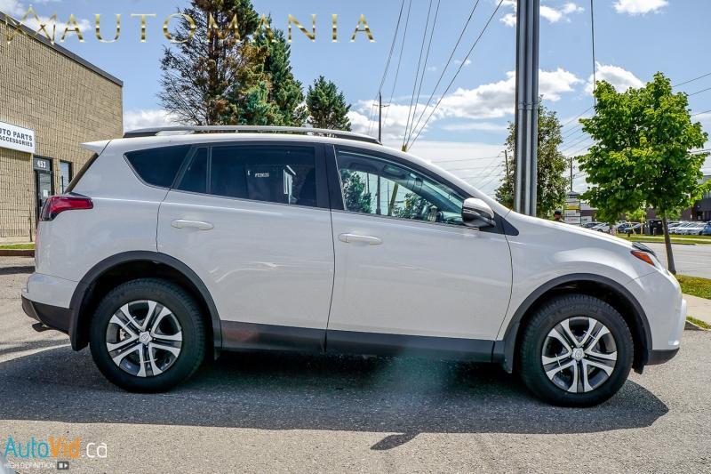 2017-Toyota-RAV4