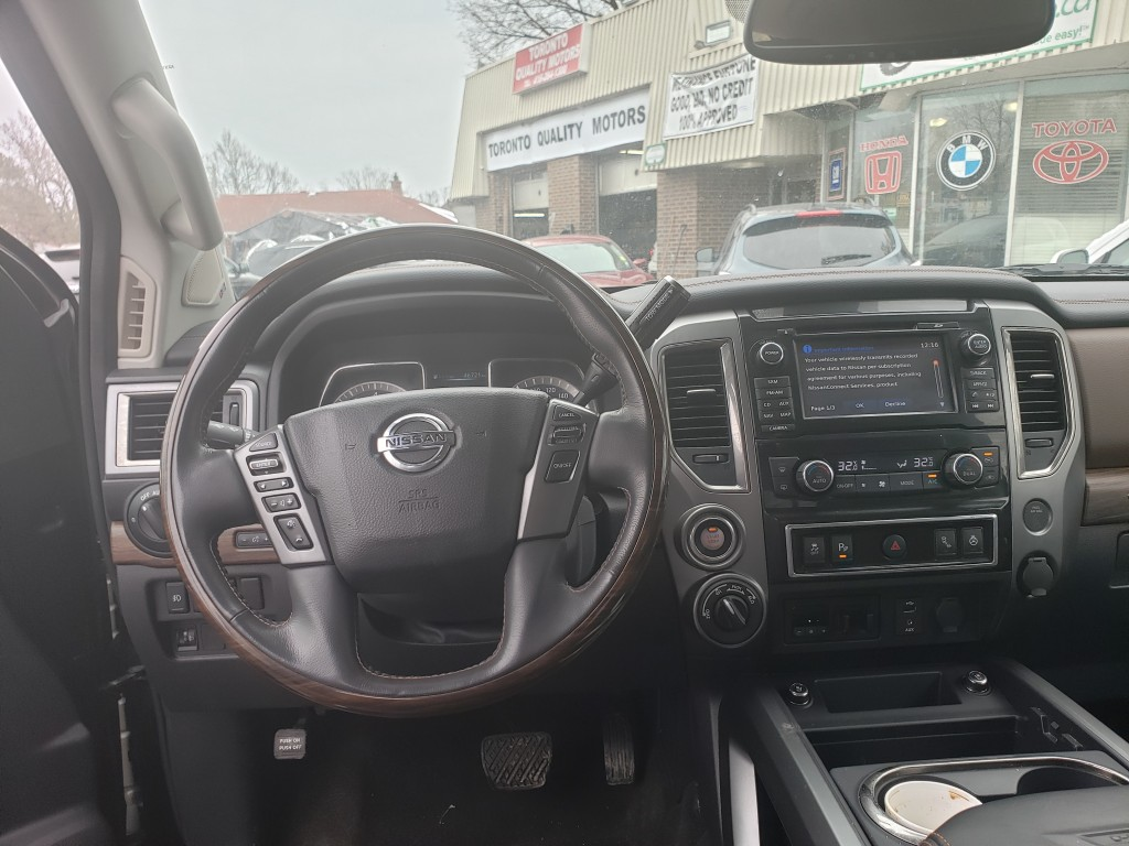 2017-Nissan-Titan