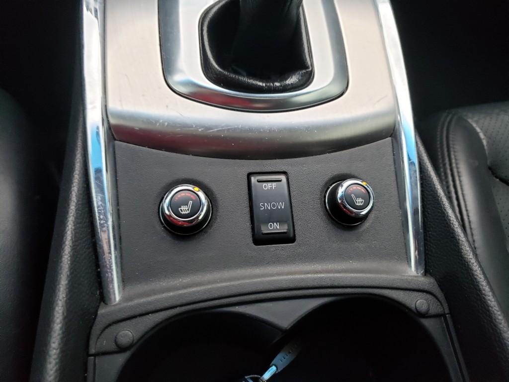 2010-Infiniti-G Coupe