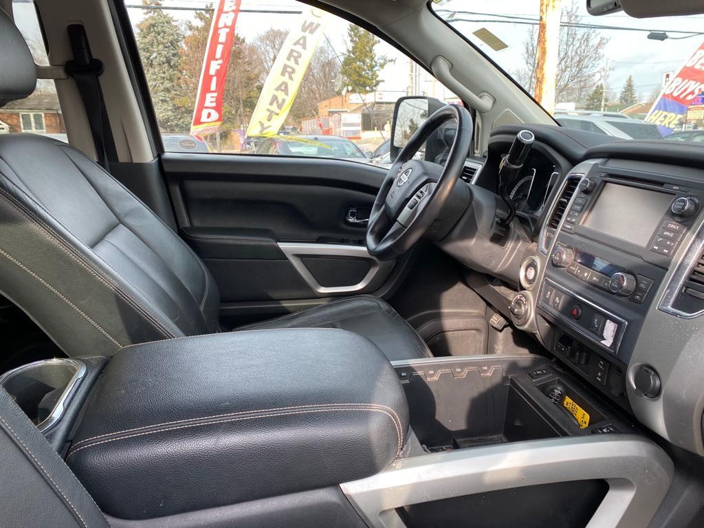 2016-Nissan-Titan