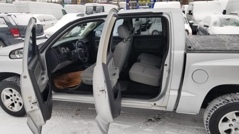 2008-Dodge-Dakota