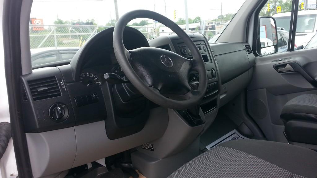 2011-Mercedes-Benz-Sprinter