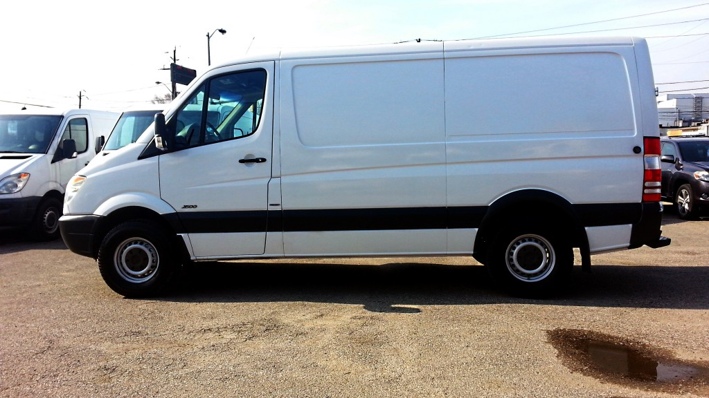 2011-Mercedes-Benz-Sprinter